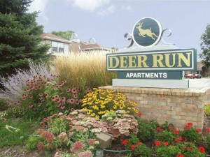 Deer Run Apartments - Sign