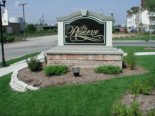 Corporate Apartments in Wauwatosa- THe Reserve at Wauwatosa
