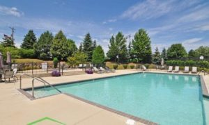 Stonegate Apartments New Berlin - Pool